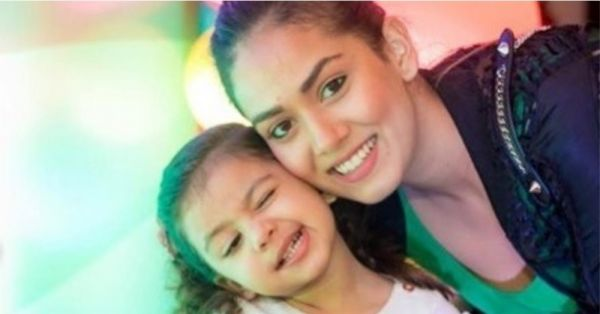 Awww! Misha Kapoor Poses Like A Star With Mommy Mira Kapoor & Our Hearts Are Melting