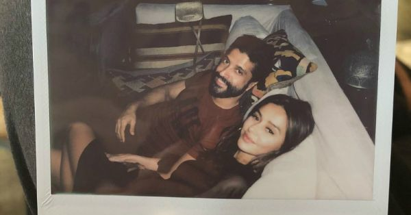 New Couple Farhan Akhtar & Shibani Dandekar Share Romantic Photos From Beach Holiday