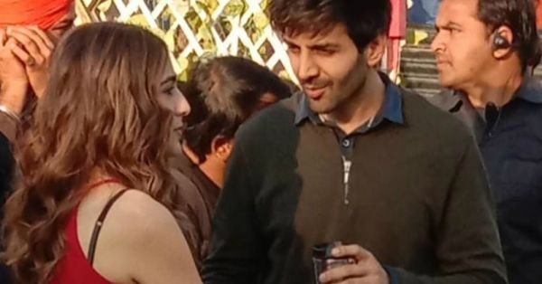 Sara Ali Khan & Kartik Aaryan Finally Get A Cup Of Coffee Together On The Sets Of Love Aaj Kal 2