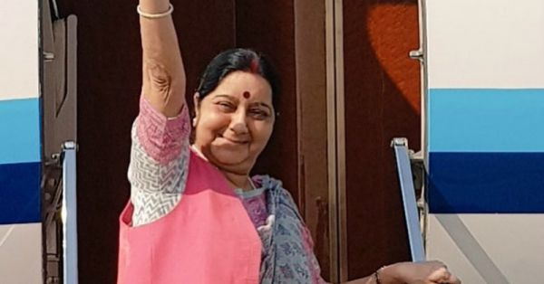 Sushma Swaraj Is Now Savage Sushma: Shuts Trolls For Making Fun Of Man Tweeting In Incorrect English