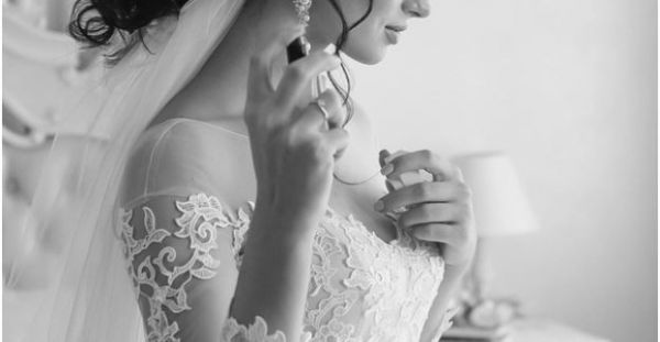 20 AMAZING Perfumes For Every Bride - These Will Last All Day!