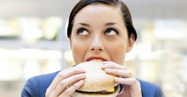 Not Feeling Hungry? THIS Is Why Your *Sudden* Loss Of Appetite Should Be Taken More Seriously