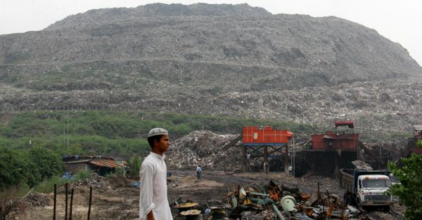 Delhi's Garbage Mountain In Ghazipur Is Going To Be As High As Taj Mahal By 2020