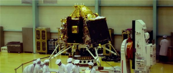 Chandrayaan 2: ISRO Loses Contact With The Vikram Lander Moments Before Touchdown