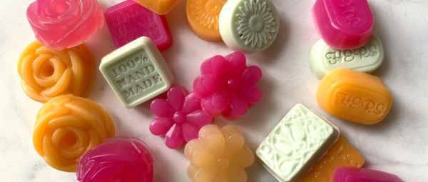 DIY Soaps: Step-By-Step Guide On How To Make Soaps At Home!