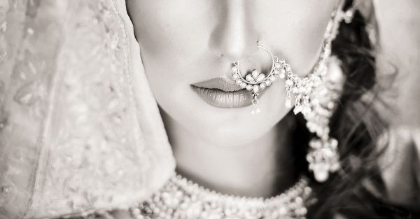 20 Spectacular Bridal Nose Ring Designs To Make You Go Wow!