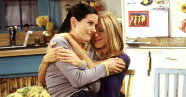 10 Signs You & Your Bestie Are *Exactly* Like Monica & Rachel!