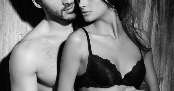 #HeSays: 17 Thoughts A Guy Has When His Girlfriend Undresses!