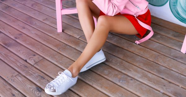 15 Super Cool White Sneakers To Look Effortlessly Stylish!