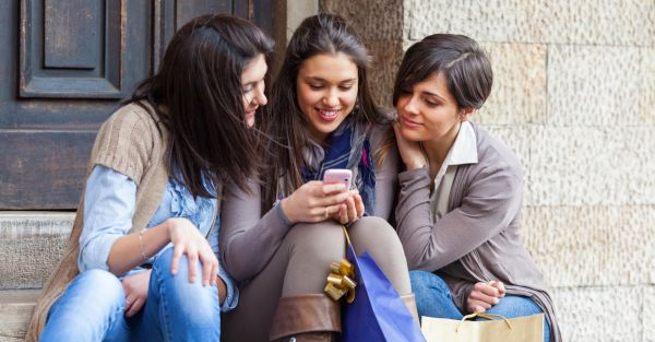 11 Reasons Why Shopping In A Group Is AWESOME!