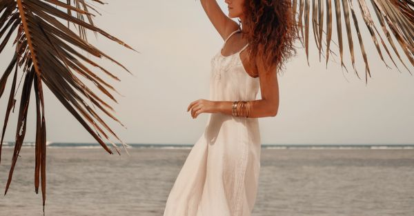 15 Super Sexy Dresses For Your Honeymoon - He'll Love 'Em All!